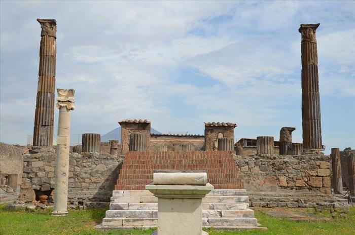 Lo Que Debes Ver En Las Ruinas De Pompeya El templo de Apolo