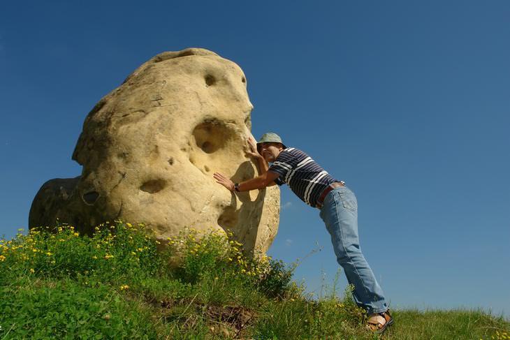 Cuento Espiritual: El Hombre y La Roca