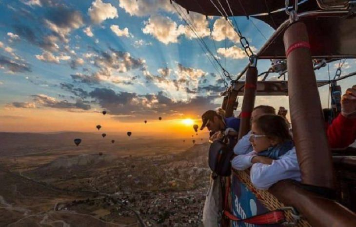 Brillantes Fotos De Los Humanos y La Naturaleza En Armonía globo aerostático