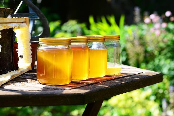 ¿Cómo es la miel cruda más beneficiosa para su salud?