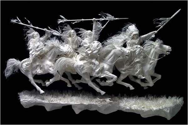 estatuas hechas de papel indios