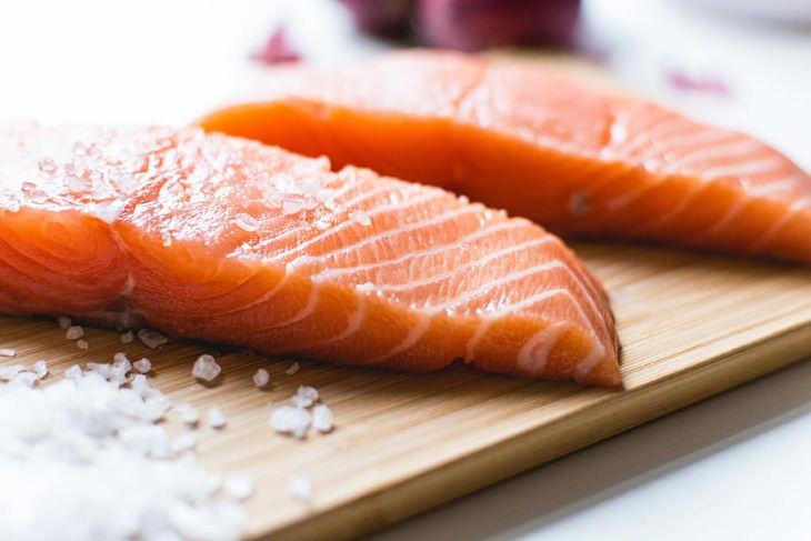 salmón para reducir la inflamación