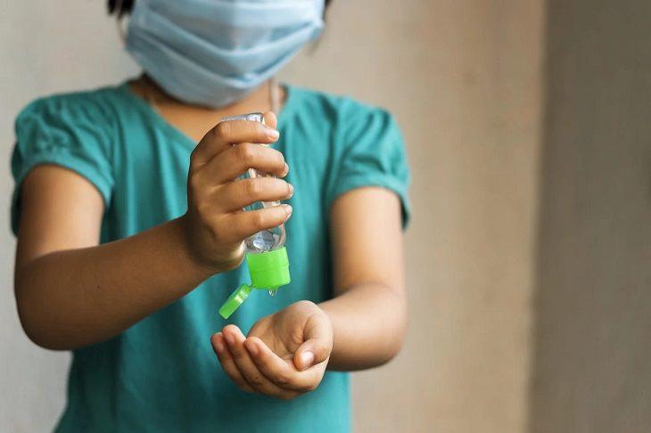 """¿Por qué las empresas producen desinfectantes para manos """"tóxicos""""?"""