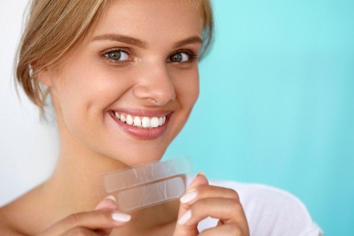El Potencial Riesgo De Los Productos Blanqueadores Para Los Dientes