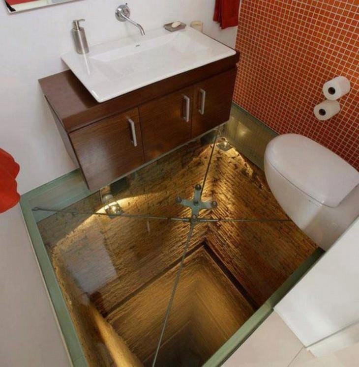 2. Se aconseja a las personas con miedo a las alturas que se mantengan alejadas del baño ...