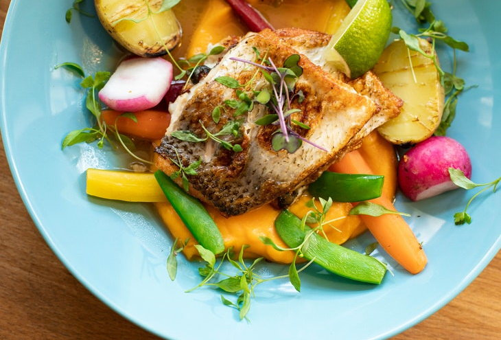 Datos Escalofriantes Todo el pescado que comes contiene partículas de plástico microscópicas