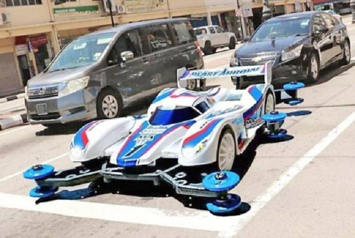 2. Parece que este auto saldrá volando del hipódromo pronto ...