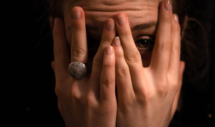 Mecanismos Psicológicos Que Nos Hacen Evitar Nuestros Problemas