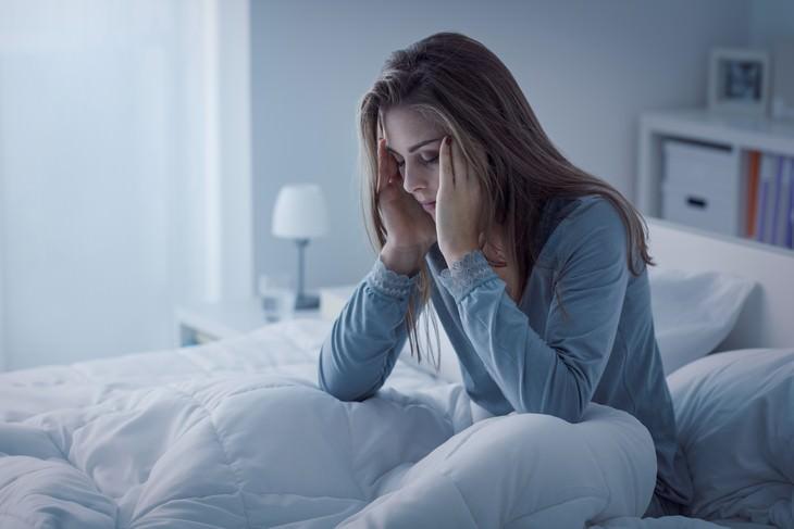 Consecuencias de irte  a la cama enojado  Dormir menos perjudica tu salud en general