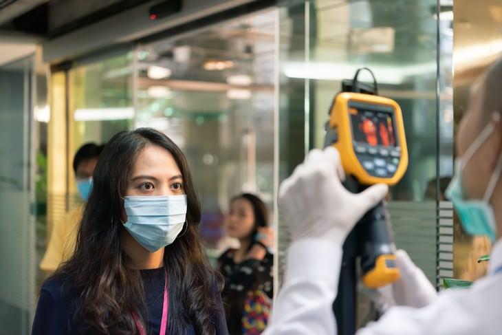 ¿Cuán infecciosos son los portadores asintomáticos?