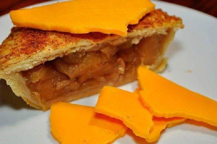 2. Tarta de manzana con queso.
