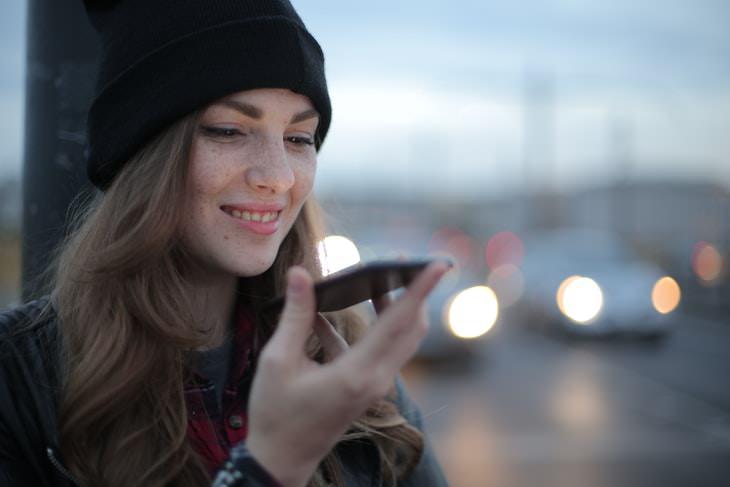 Aplicaciones Para Teléfono Inseguras Asistentes activados por voz