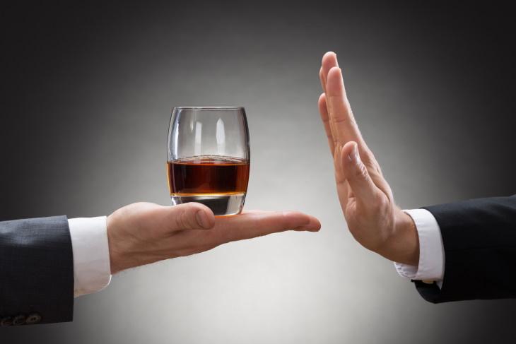 ¿Debemos Evitar Alcohol Antes y Después De La Vacuna Covid-19?