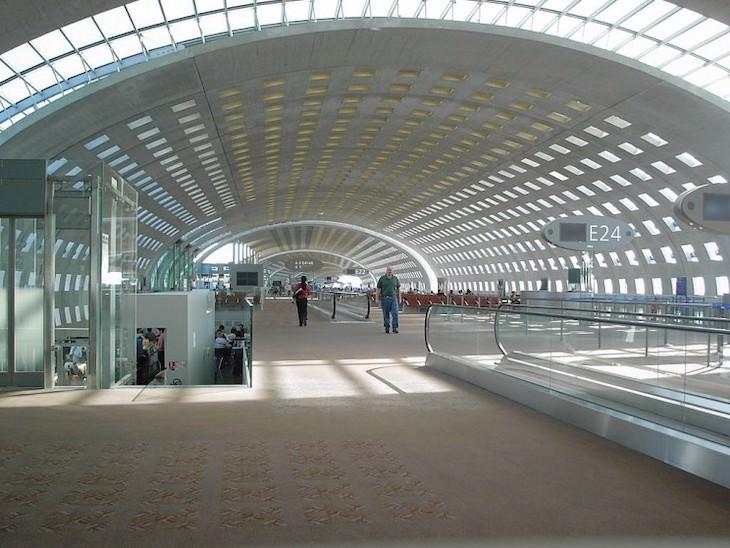 2. Terminal del aeropuerto Charles De Gaulle