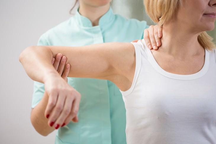 Síntomas De Meningioma Debilidad o entumecimiento en las extremidades