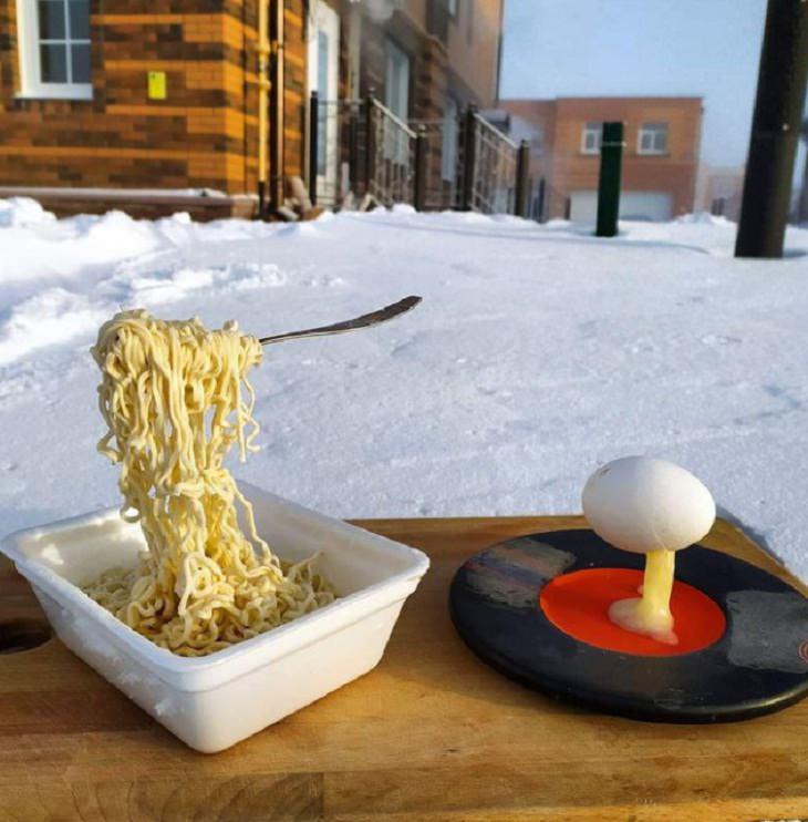 Temporada De Invierno Fideos en tenedor congelado