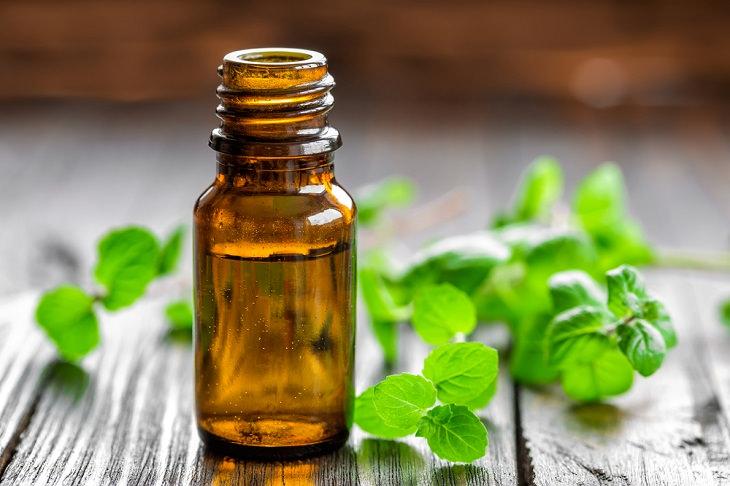 1. Aplicar aceite de menta picores piel