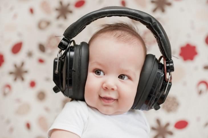 Fascinantes Cosas Que Los Bebés Pueden Hacer Pueden escuchar todas las frecuencias de sonido simultáneamente