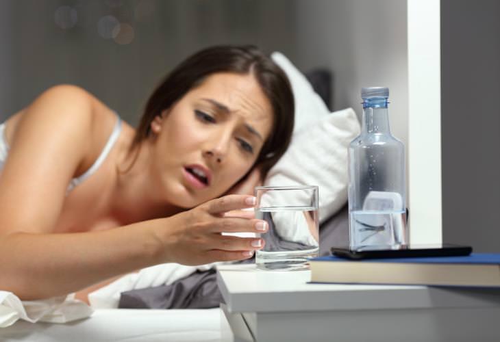 Causas inesperadas de la sed excesiva, deshidratación