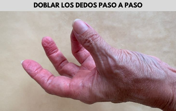 Ejercicios De Mano Para Aliviar La Artritis Fortalece los músculos de la mano con flexiones secuenciales de los dedos