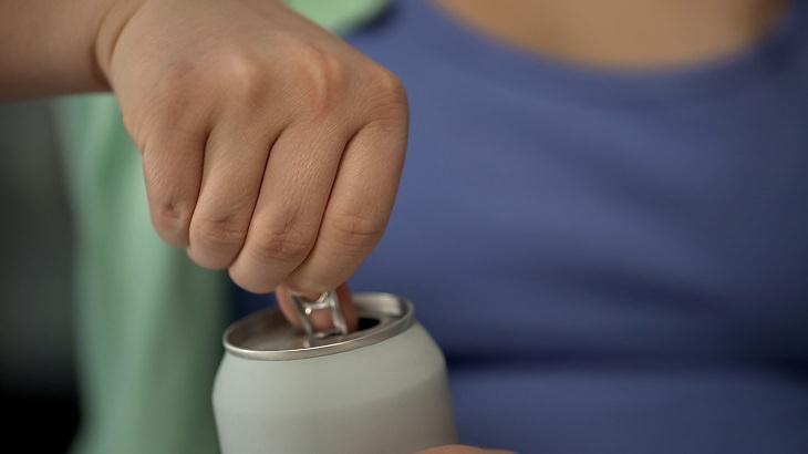 ¿Por Qué Las Bebidas Energéticas Son Tan Peligrosas?