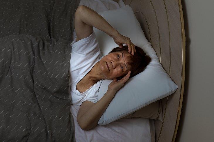 ¿Cómo se relacionan la dieta y el insomnio?