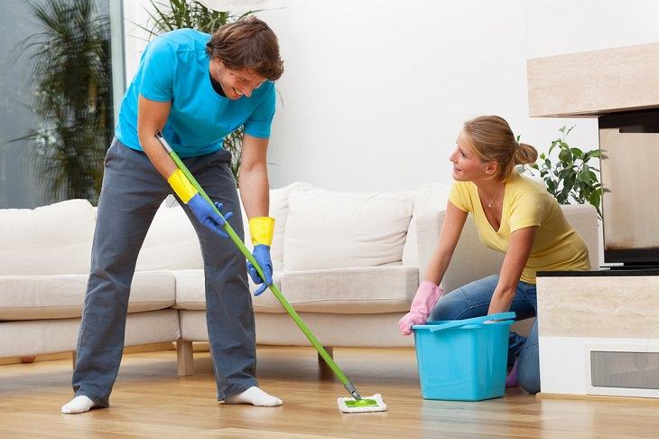 1. Lavar el suelo