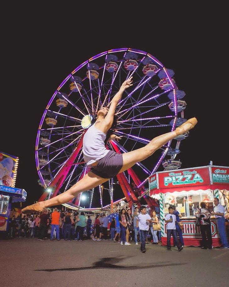 Fotografías Ballet En Las Calles De Nueva York Bailarina en feria de atracciones