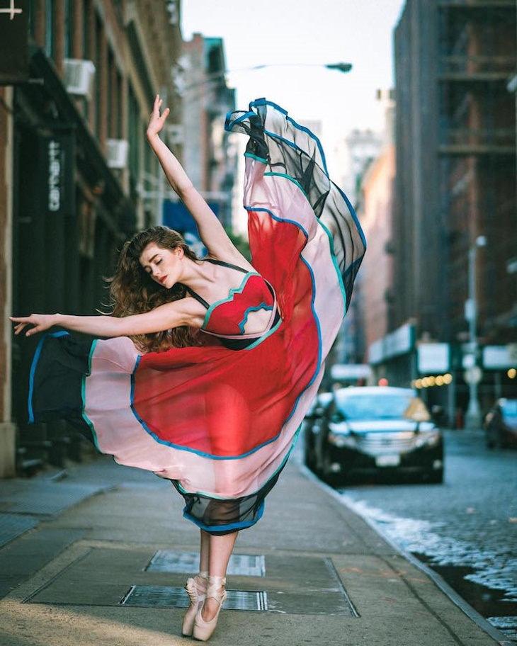 Fotografías Ballet En Las Calles De Nueva York Bailarina vestido rojo