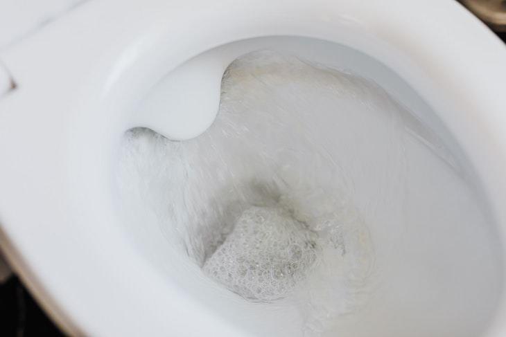Cómo Reparar Un Inodoro Con Fugas En 4 Pasos