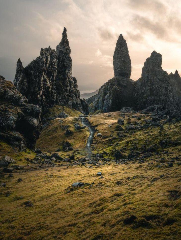 Belleza De La Naturaleza La Isla de Skye en Escocia ofrece unas vistas majestuosas.