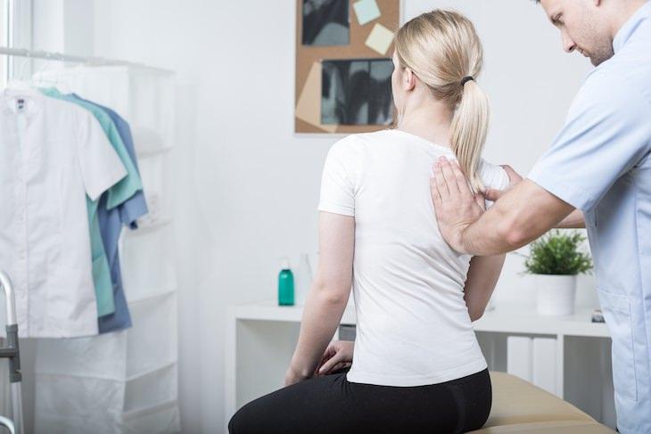 2. Compresión nerviosa dolor omoplatos