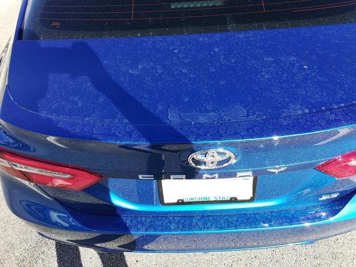 Tipos de manchas de agua en el automóvil