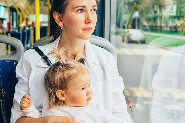 Chiste: La Madre Con Su Bebé En El Bus