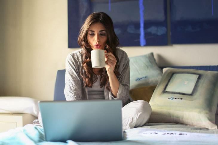 Habitos Raros Que Son Buenos Para La Salud Beber bebidas con cafeína justo antes de una siesta