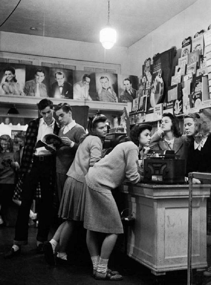 Vintage Pics, record store