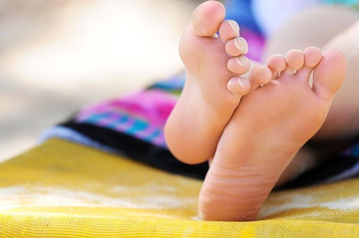 Trucos De Playa Cómo evitar que la arena se pegue a los pies