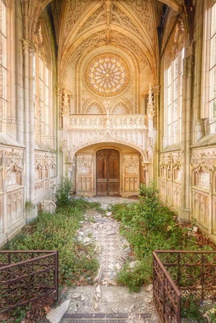 Fotos De Iglesias Abandonadas Iglesia de color beige