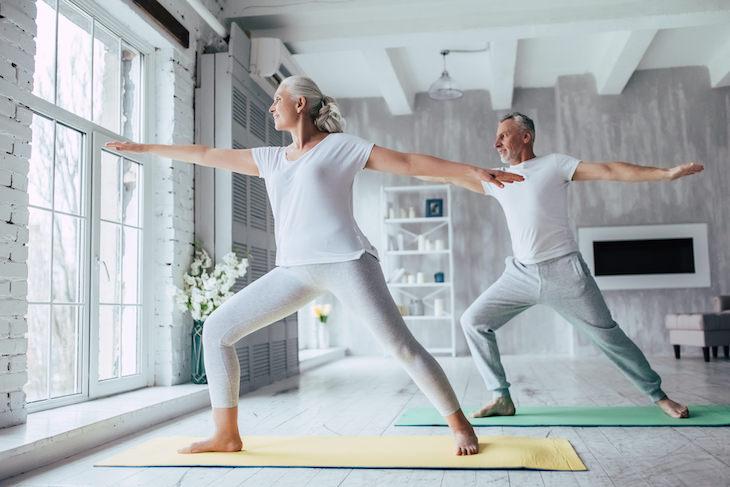 Ejercicios Seguros De Hacer Cuando Te Recuperas Del Covid-19 Yoga