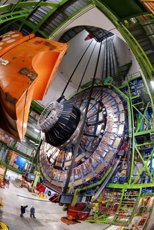 Fotos De Comparaciones Gran Colisionador de Hadrones