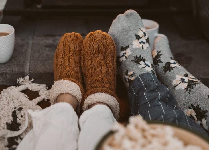 Consejos Para Alargar La Longevidad De Tus Calcetines No uses calcetines como pantuflas