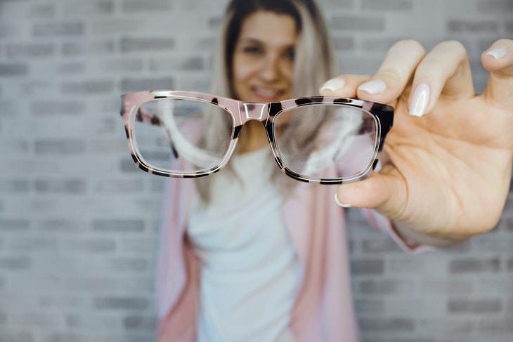 3. Los antioxidantes del aceite de aguacate ayudan a prevenir las enfermedades oculares relacionadas con la edad.