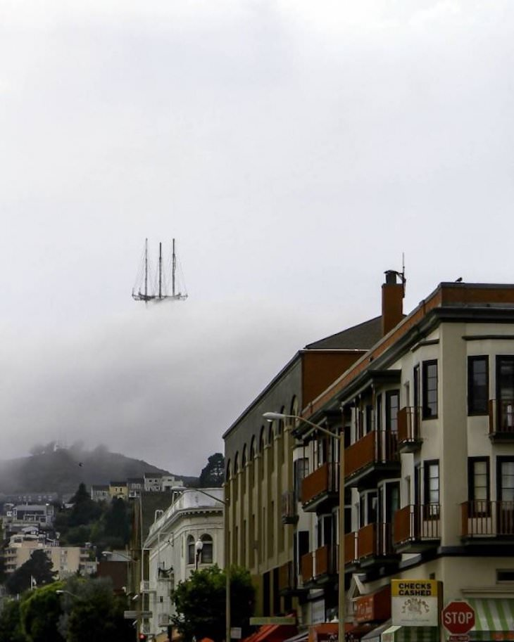 22 Ilusiones Ópticas Que Lograrán Confundirte Barco en el cielo