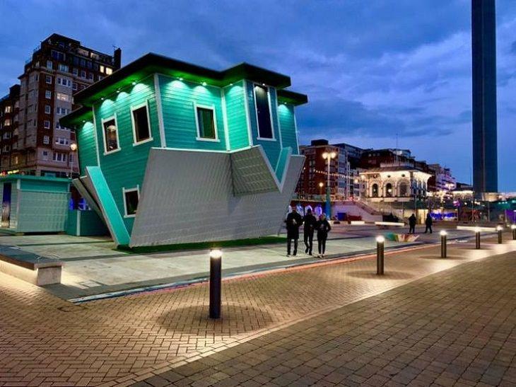 Rarezas Arquitectónicas Esta casa al revés en Brighton, Reino Unido, es un museo de ilusiones