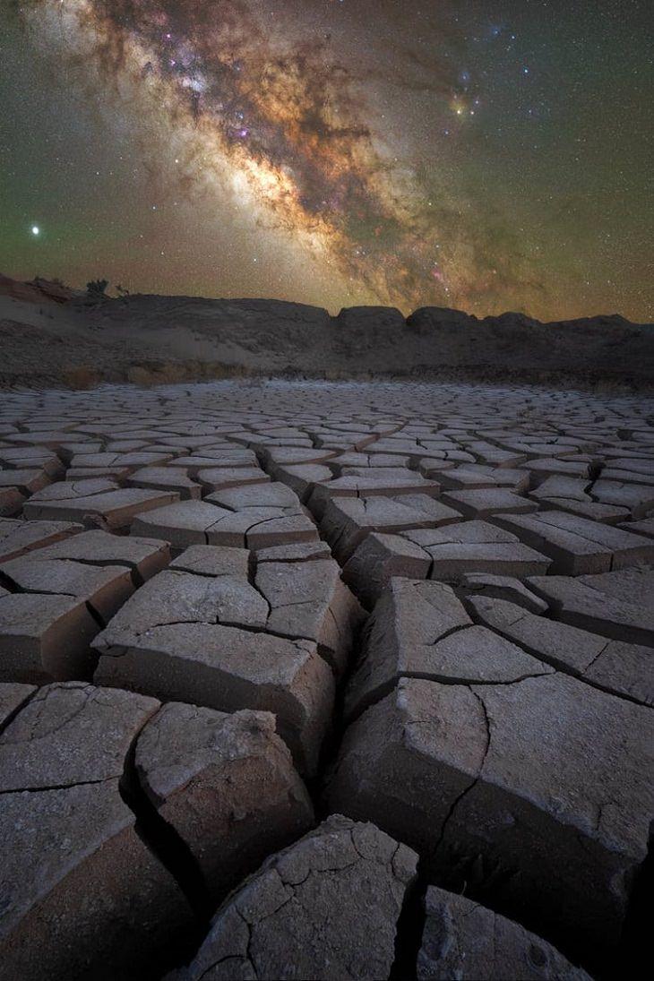 """Asombrosas Fotografías De La Vía Láctea """"Desolación"""" de Phil Sisto. Parque Nacional Capitol Reef, Utah, Estados Unidos"""