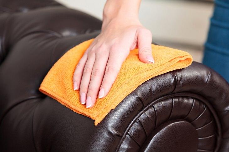 1. Limpieza de muebles tapizados