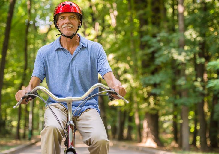 Beneficios Del Ciclismo En La Tercera Edad Puede prevenir el deterioro cognitivo relacionado con la edad
