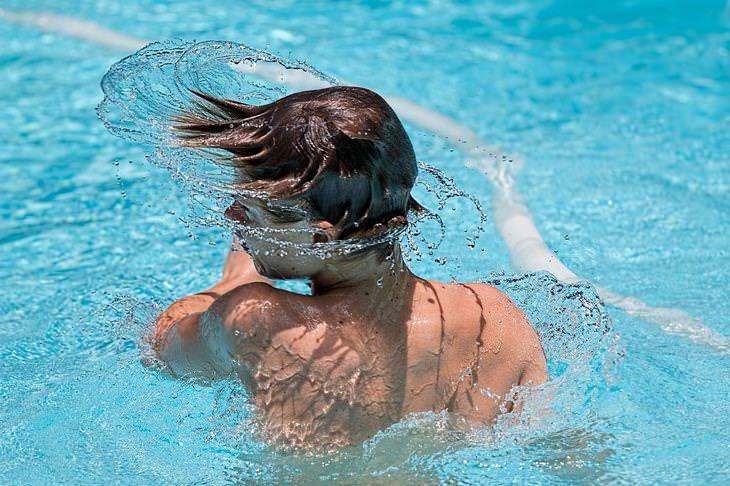 Problemas De Salud Comunes En El Verano Oído del nadador