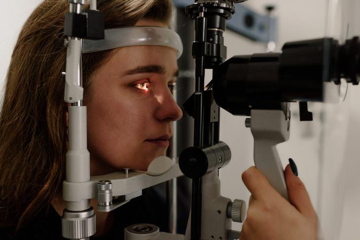 ¿Cómo se relacionan el tamaño de la pupila y la inteligencia?