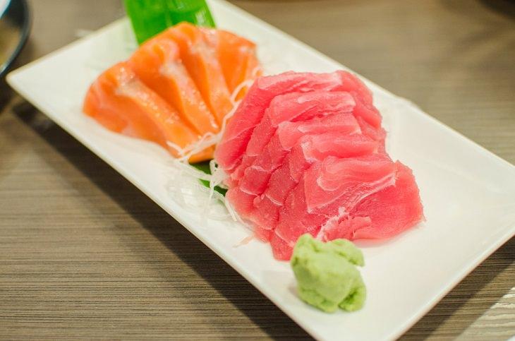 Salmon vs. Tuna,
